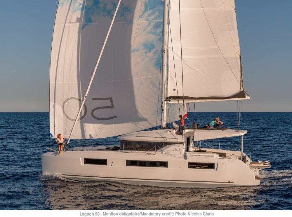 Lagoon 40 Review - Club Marine
