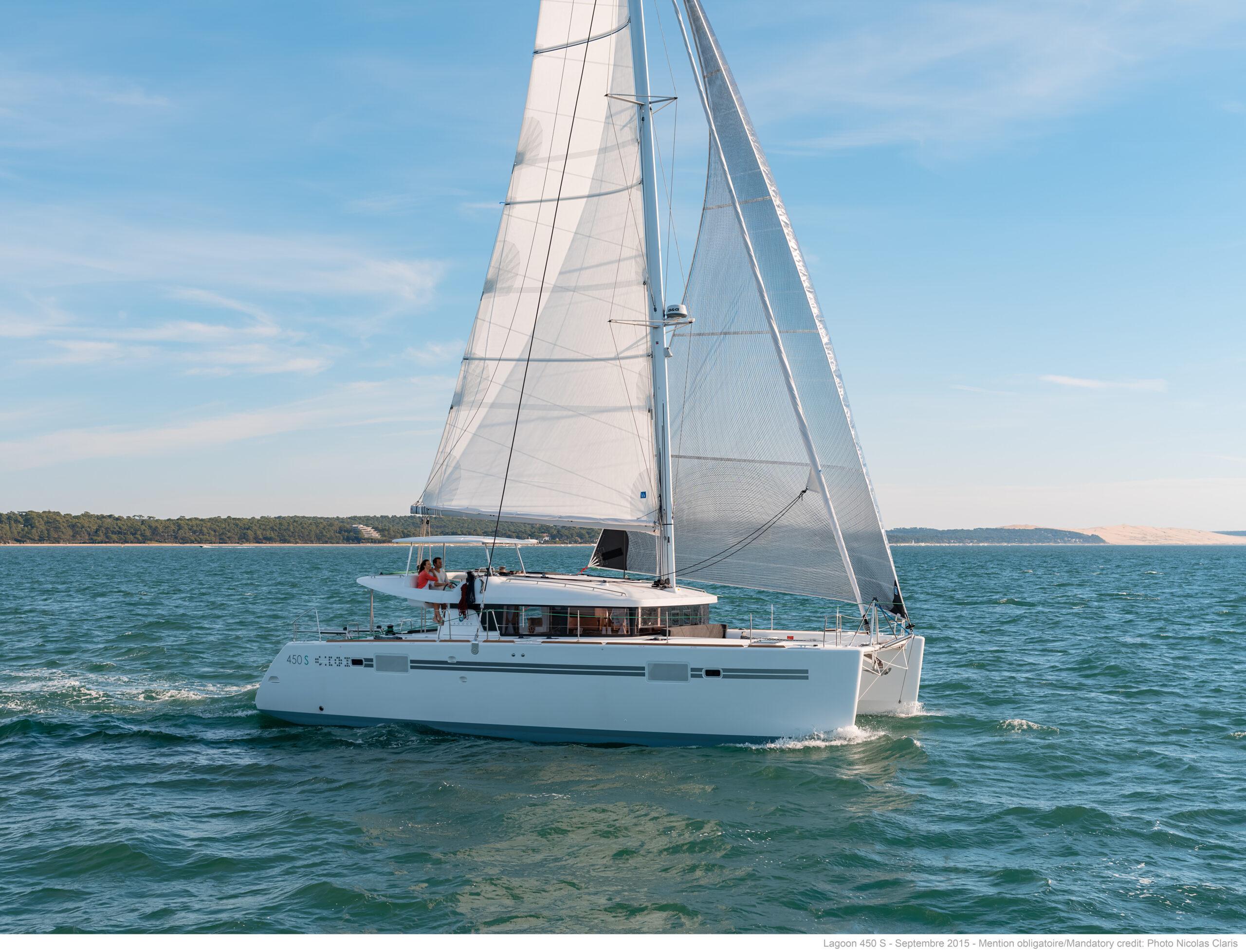 Lagoon 450s - The Multhull Group Australia