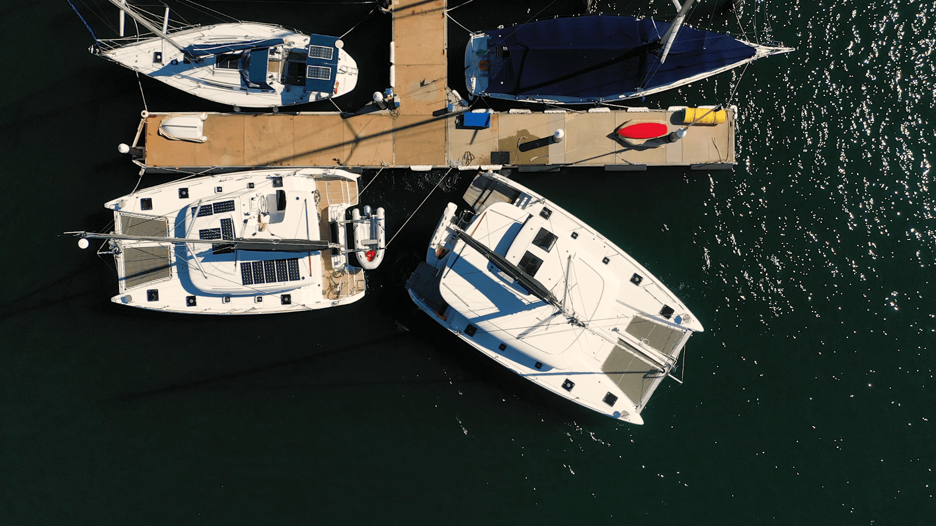 How to Leave a Dock and Manoeuvre Around a Marina