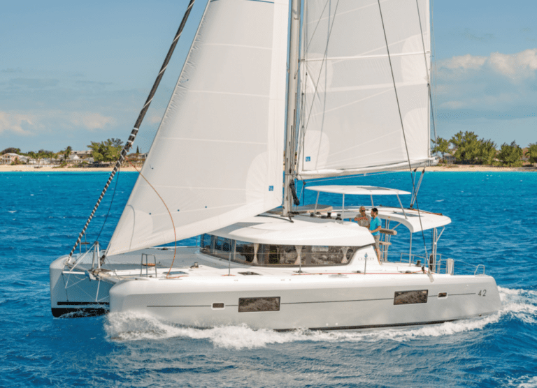 The Lagoon 42 – Why She's So Popular